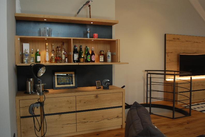 Wohnzimmer in Wildeiche - Schwarzstahl