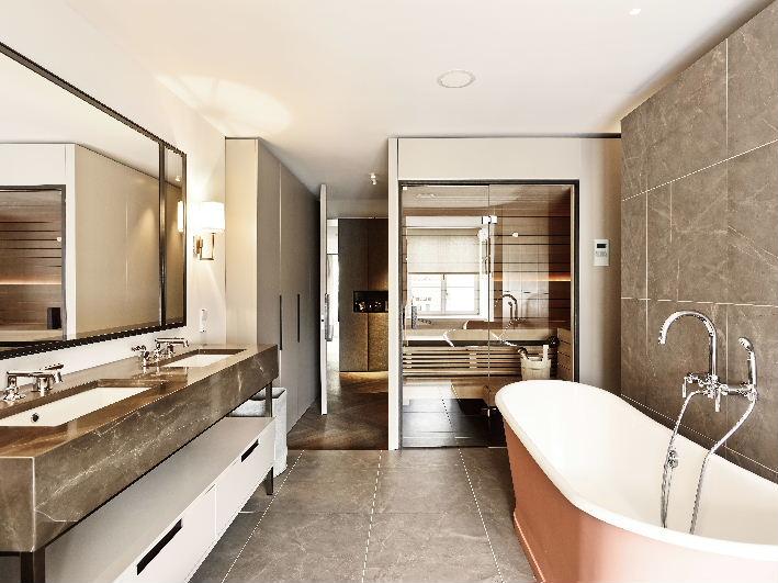 Masterbad Waschtisch - Spiegelschrank - Einbauschrank in Lack